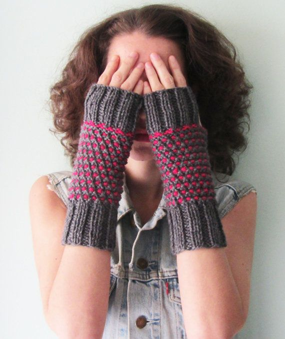 Knit Gloves Fingerless in Grey and FuchsiaKnit by Need4KnitShop