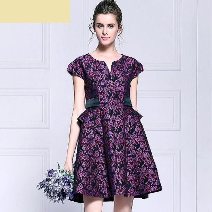 Платье с боковыми басками. Моделируем.