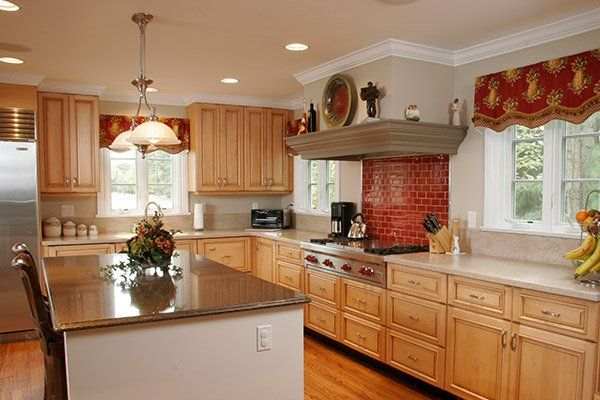 New Light And Airy Cabinets Feature Hard Maple With A Natural Glaze In A Square Raised Panel Style The Dura Kitchen Remodel Kitchen Decor Modern Kitchen Decor