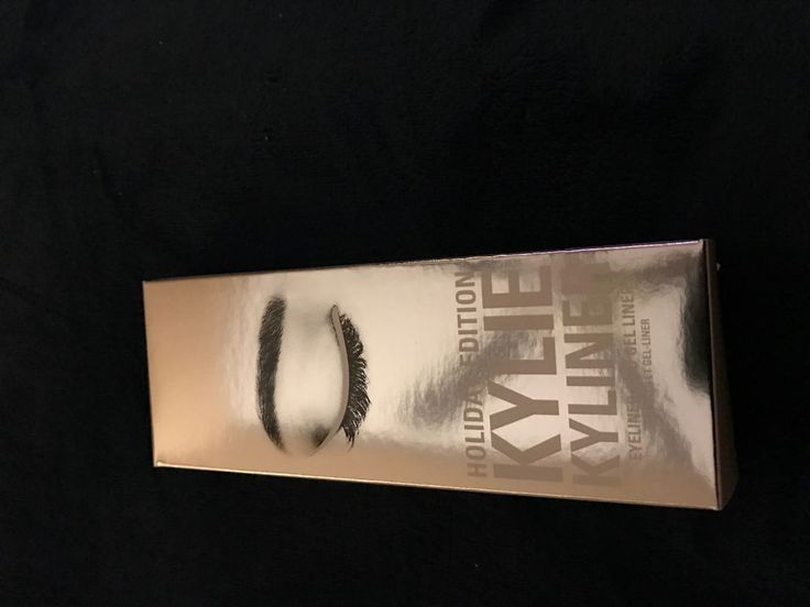 Kylie Jenner Holiday Edition Kyliner kit--Snow Kyliner Kit #KylieCosmetics