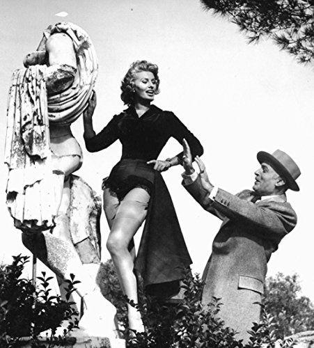 Sophia Loren and Charles Boyer in La fortuna di essere donna (1956)