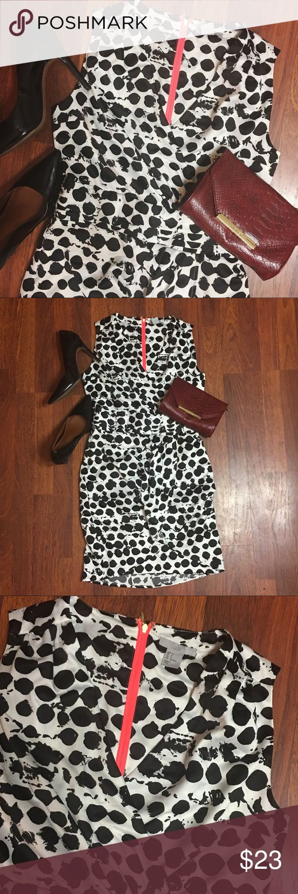 """Polka Dot H&M dress White and black polka dot sheath dress. Ruched banding at the waist and tulip style skirt.  Hits just above my knee at 5'5"""".  Softly textured fabric and zipper closure in the back. ✨✨✨Worn only once and in great condition. Perfect for work or a night out!✨✨✨✨ H&M Dresses Mini"""