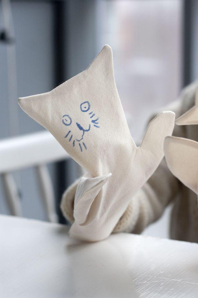 UKKONOOA: Käsinuket / DIY hand puppets