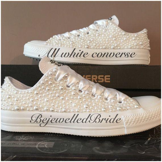 Hand op maat bruiloft Converse Chucks wit of door BejewelledBride