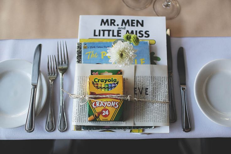 a fun little place setting to keep kids occupied at the reception: books and crayons