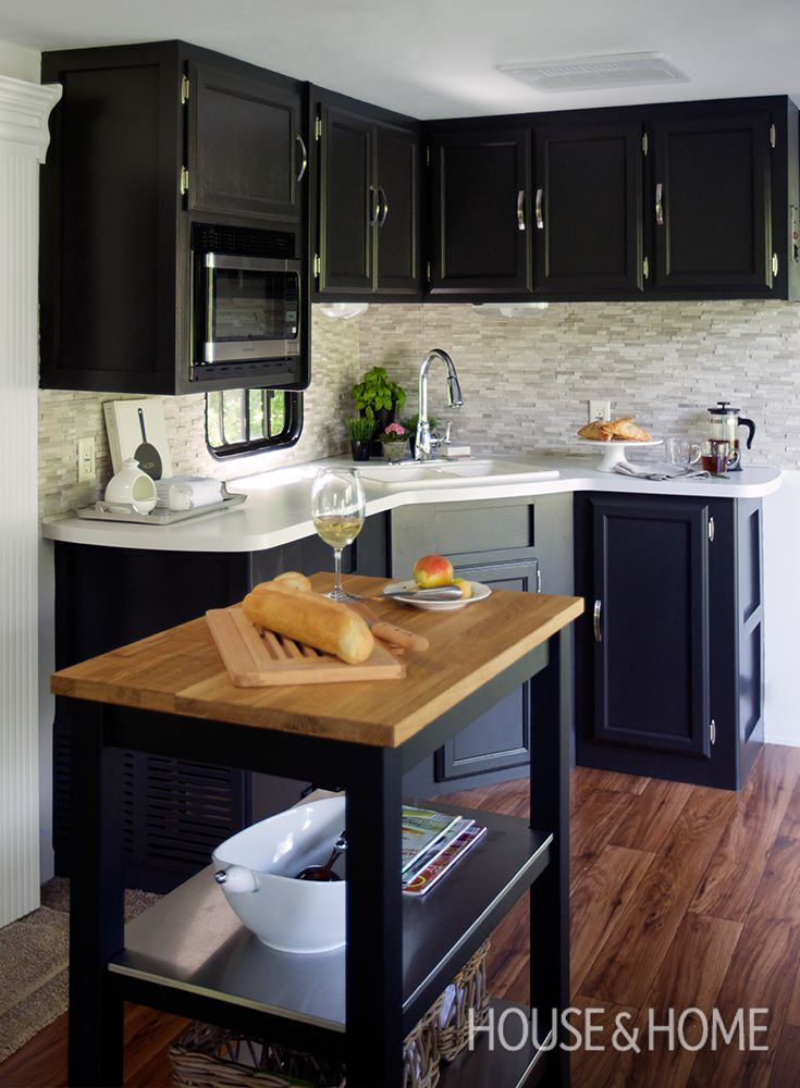See how designer Jackie Glass transformed a 450-square-foot trailer into a stylish micro-home to live in during her own home renovations.   Photo: Jason Stickley