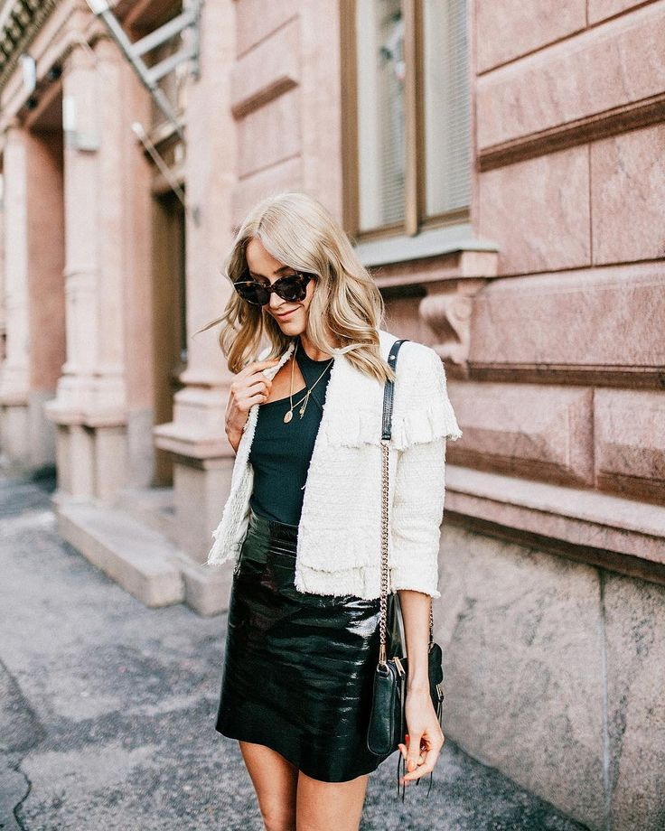 Fall style in B&W with a cool leather skirt and a tweed jacket - Anna, Arctic Vanilla blog.