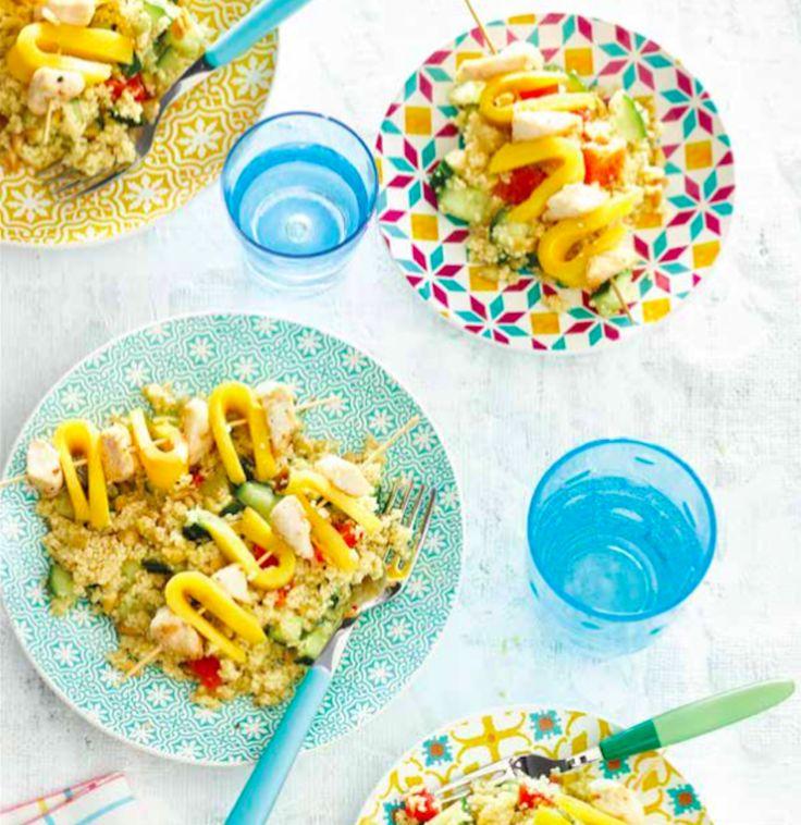 Couscous met kip & mango aan een spies uit Het kidsproof-kookboek