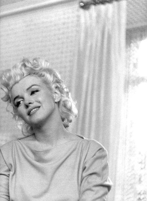 marilyn monroe photographed by ed feingersh 1955 marilyn monroe pinterest monroe. Black Bedroom Furniture Sets. Home Design Ideas