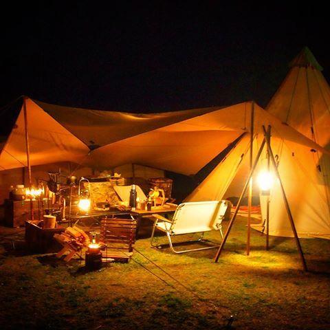 今夜はかなり寒い夜ですね。 このまま風が弱ければ焚火できるかな〜。 #キャンプ #ファミキャン #camp #nordisk #sioux #ささゆり #ささゆりの湯