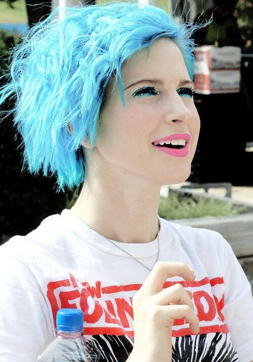 Hayley Williams ~ very pretty blue hair {Paramore♡}