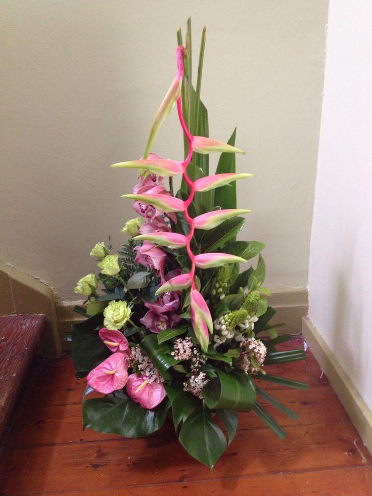 Arrangement with sexy pink
