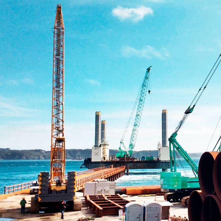 A fines del año pasado comenzó la construcción de la primera etapa del puente que cruzará el canal de Chacao y nuestro equipo de ingenieros diseñó un accesorio que fue fundamental al momento de instalar los soportes de la estructura. Info en  http://distintec.cl/post_puentechacao.html  #ingenieros #ingenieria #puente #chiloe #decimaregion #chile #mecanicos #estructuras #mineria #mining #sur #mechanics #asme