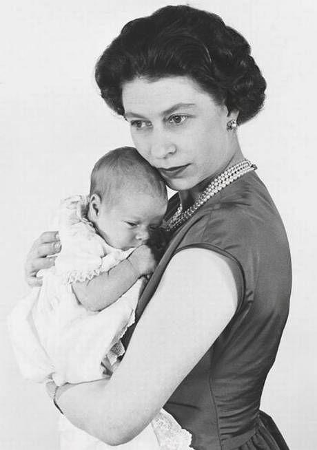 V lines up royal portraits for jubilee - News - London Evening Standard