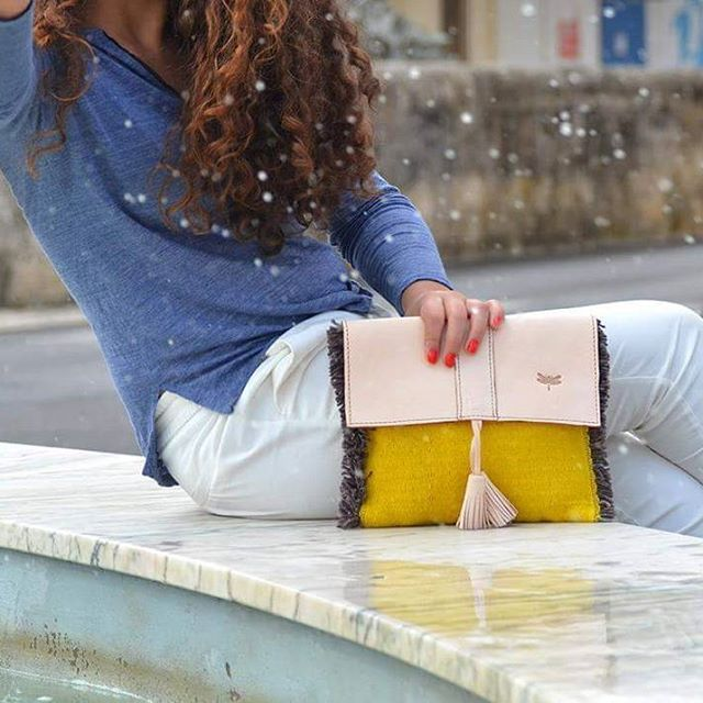 Mindeclutch is our mate for all occasions.  #subtilmm #slowfashion #handmadewithlove #madeinportugal #leatherbag #fashionable #clutches #handloomed #portugaldenorteasul #portugal_lovers