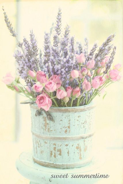 Lavender and Roses. Sweet Summertime by Lucia and map on flickr. #lavender #centerpiece