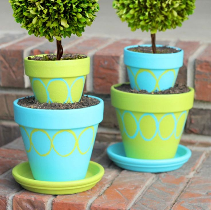 painting clay pots for outdoors