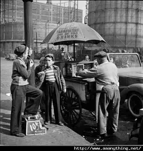 1940s hot dog stand ~ photo by Stanley Kubrick