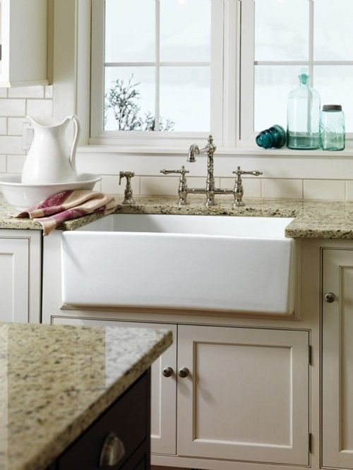 farm sink: Farms Houses, Traditional Kitchens, Farmers Sinks, Kitchens Ideas, Farms Sinks, Farmhouse Kitchens, Kitchen Sinks, Farmhouse Sinks, Kitchens Sinks