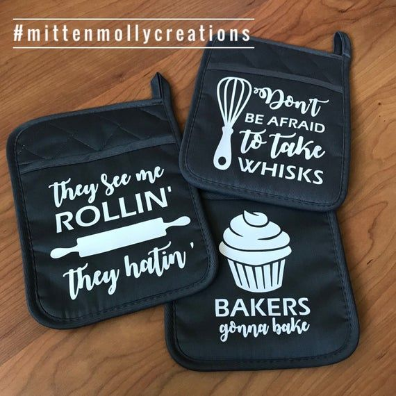 Custom Oven Mitts Camping Oven Mitts Cute Kitchen Stuff Housewarming Gift First House Gift Kitc House Gifts Vinyl Designs Camping Oven