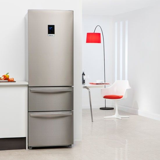 Slim line fridge freezer