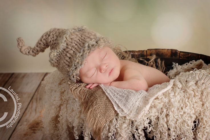 Portland oregon vancouver wa photographer newborn photography posing mentoring props from