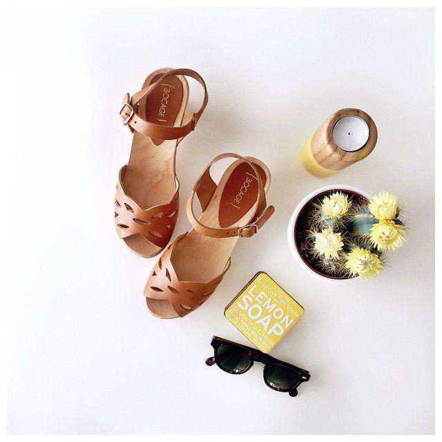 @bocage_officiel Sun is coming☀️ @bocage_officiel lance le concours Instagram #shoesinmylife du 1er au 26 Juin, mettez-vous en scène avec un produit Bocage et publiez votre photo accompagnée de #shoesinmylife #bocage et de la mention @bocage_officiel. Le gagnant remportera une paire de chaussures qu'il pourra concevoir avec la styliste Bocage ainsi qu'une paire de chaussures de la collection été. A vous de jouer!!✨ #bocage#shoesinmylife