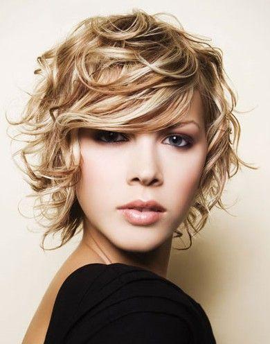 Love short messy hair (: