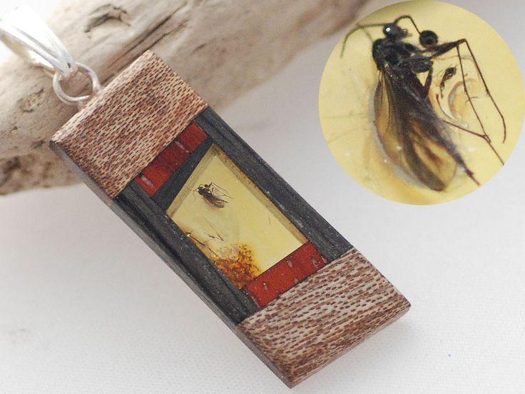 Wisiorek Bursztyn Srebro Drewno 13741 Czarny Dąb +INKLUZJA owad +Certyfikat naturalny (1)