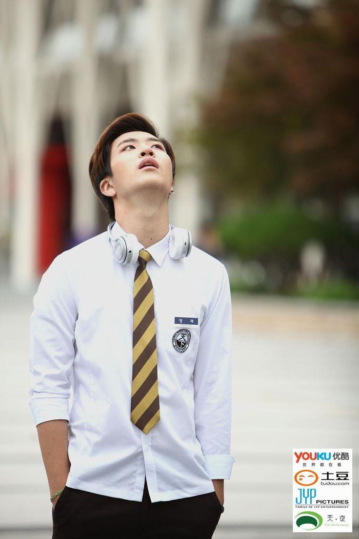 <Dream Knight> 교복 스틸컷 공개 - '영재' 음악을 사랑하지만 눈치는 조금 없는, 외길 인생을 달리는 남자 #Youngjae #영재 #드림나이트