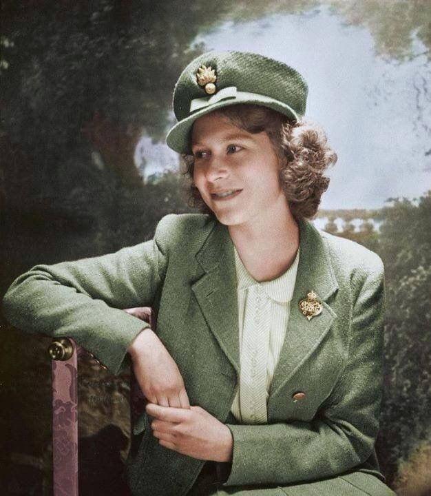 17 Best Images About Hrh Queen Elizabeth Ii On Pinterest