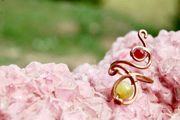 Hammered copper ring with Jade and Carnelian semiprecious stones made by Macramilia Creations