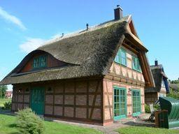 Fachwerkhaus Menke mit Reetdach für 6 Personen (110 m²) ab 630 € in Gager.