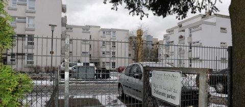 Nachbarschaftsstreit Darmstadt: Ein Zaun als Zankapfel   Darmstadt- Frankfurter Rundschau