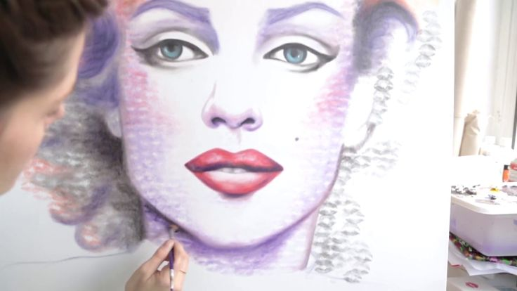 """Kissed Portrait of Marilyn Monroe!!! 100% lipstick, 100% Kisses! This artist takes the term """"makeup artist"""" to a whole new level."""