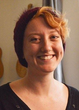 Nathalie is 24 jaar, biseksueel en één van de vier vrouwen, die te zien is in een documentaire van Channel 4. Die documentaire gaat op verkenning naar vrouwen die een 'super orgasme' erva