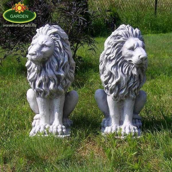 Az oroszlán jelentése hatalom, erő, ezért bejáratok elé kitűnő dekoráció. Párban elhelyezve kapuk és lépcsőfeljárók igazi dísze. Minőségi fehér cementből és kőzúzalékból készül. Az időjárás viszontagságainak teljes mértékben ellenáll, fagyálló.
