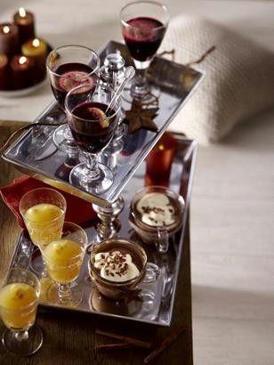 Heiße Chai-Schokolade Rezept: Gläser,Milch,Bourbon-Vanillezucker,Chaitee,Vollmilch-Schokolade,Kakaopulver,Schlagsahne,Vollmilch-Schokoraspel
