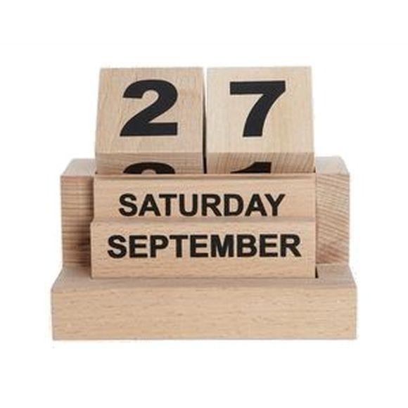 Eternity Kalenderen fra House Doctor er en evighedskalender som du kan bruge år efter år. Den er skæret i bøgetræ og har et smukt design som passer ind ...