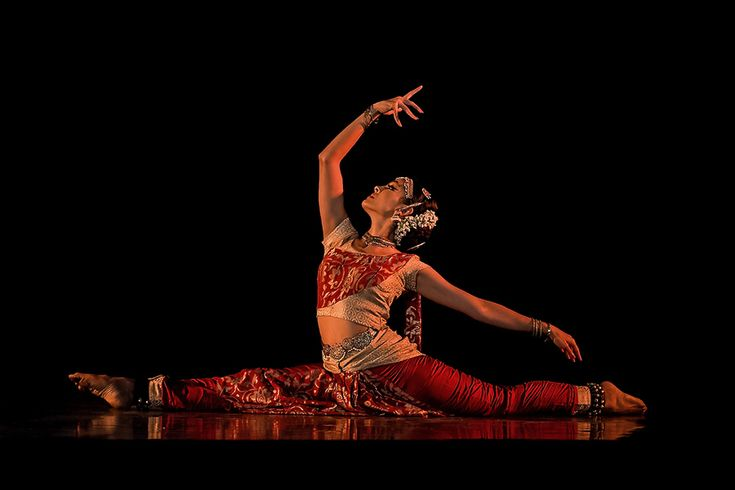 Rukmini Vijayakumar by Amith Nag on 500px   Dancer-actress Rukmini Vijayakum Bharatanatyam performance √