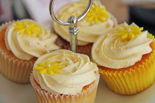 Citron cupcakes med citron frosting
