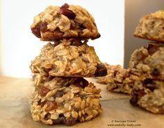 Cookies cu fulgi de ovaz, banane si curmale. Reteta de post, fara zahar. Oatmeal, dates and banana cookies! No sugar and vegan recipe.