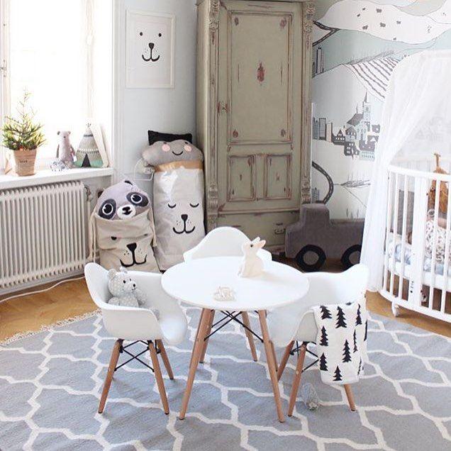 A little late night nursery inspiration by @projektvasastan  Good Night xx  #inspo #nurserydecor #nurseryinspiration #kidsinterior #pipandsox