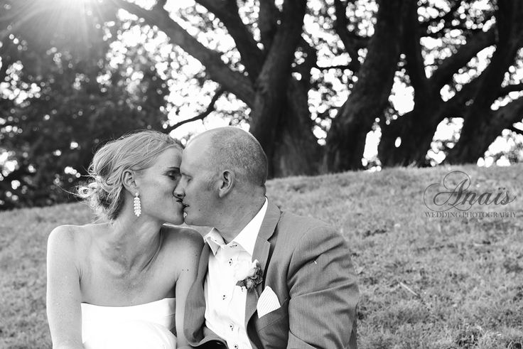 The kiss bride and groom | Janet & Matt | Wedding photographer | Devonport, Auckland