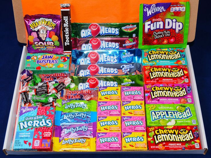 American Sweets Gift Box - 46 Items - USA Candy Hamper - Wonka Nerds - Present