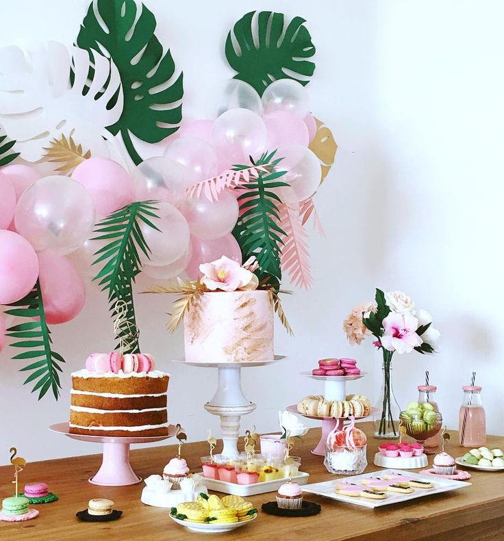 Best 25 flamingo baby shower ideas on pinterest for Baby birthday decoration photos