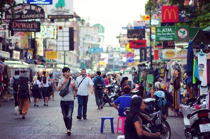 "(@ritafadeyeva) on Instagram: ""Улица #nikon #trip #thailand #bangkok #street #people #autumn #никон #осень #бангкок #улица  #люди"""