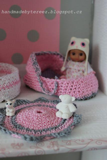 Dollhouse ... mini chou chou ... pink ... crochet ... DIY