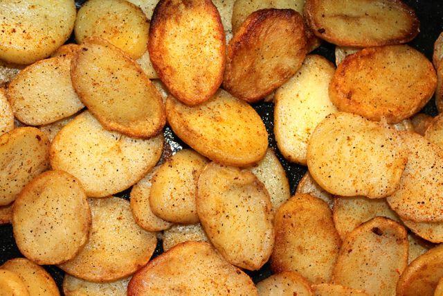 Uit eten gaan is feest. Al is het maar vanwege de vaak heerlijk gekruide aardappels. Er is zelfs een tijd geweest dat ik altijd voor restaurant X koos omdat ze daar van die lekkere steak frites had...