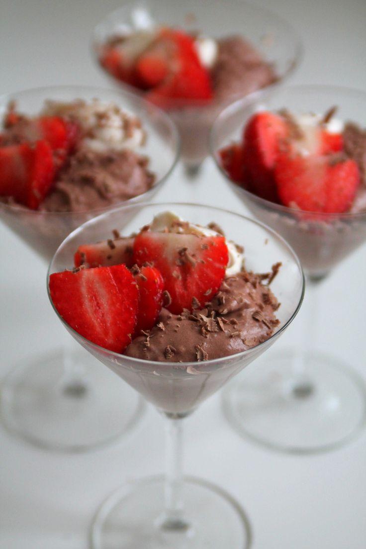 Mousse med chokladcrips och jordgubbar | Jennys Matblogg | Damernas Värld